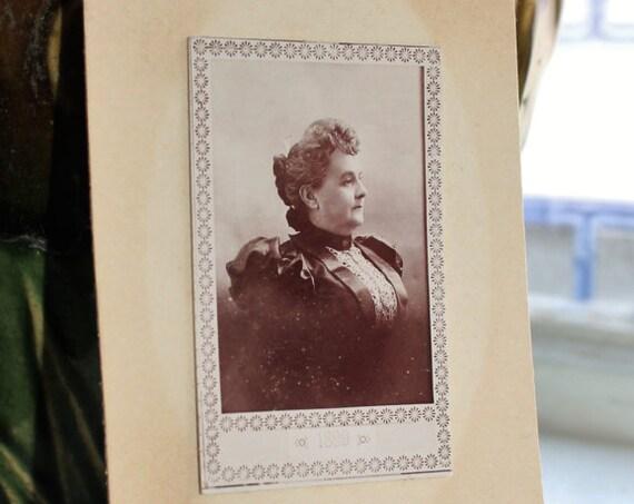 Antique Photograph Cabinet Card 1800s Victorian Woman