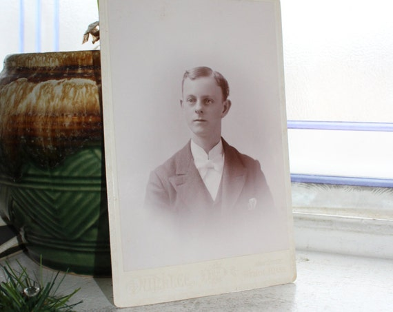 Antique Photograph Victorian Man 1800s Cabinet Card