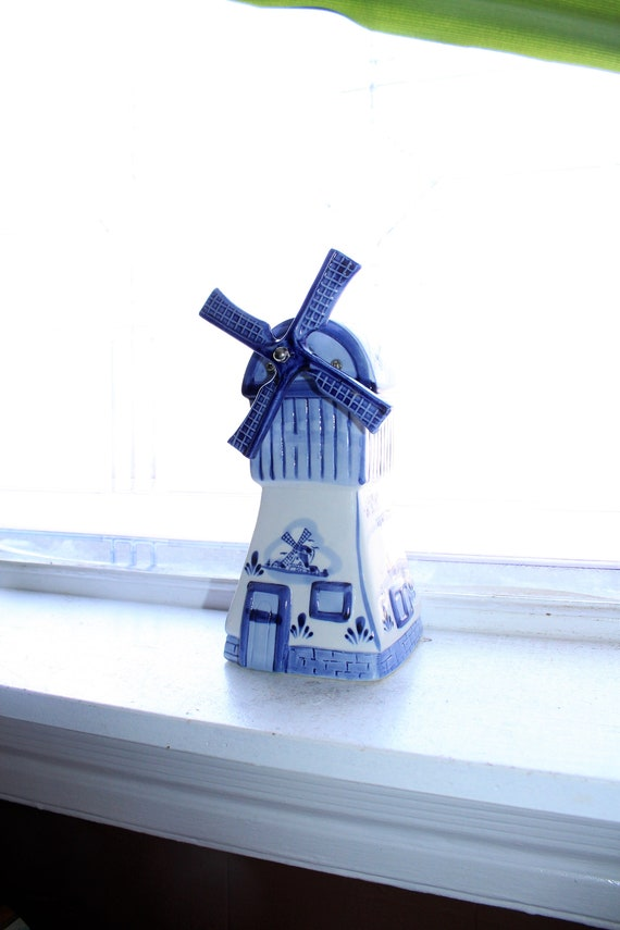 Blue and White Delft Windmill Music Box