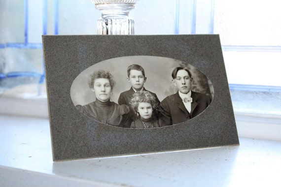 Antique Photograph Victorian Family 1800s Cabinet Card