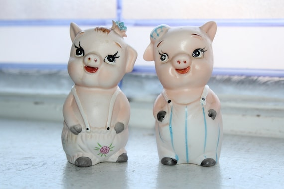Vintage Pigs Salt and Pepper Shakers