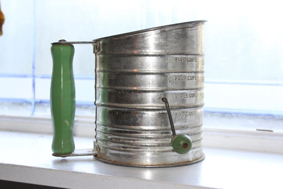 Vintage Bromwells's Sifter Green Wood Knob Handle 1940s