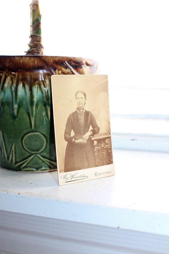 Antique Carte De Visite CDV Photograph Victorian Woman & A Ghost 1800s