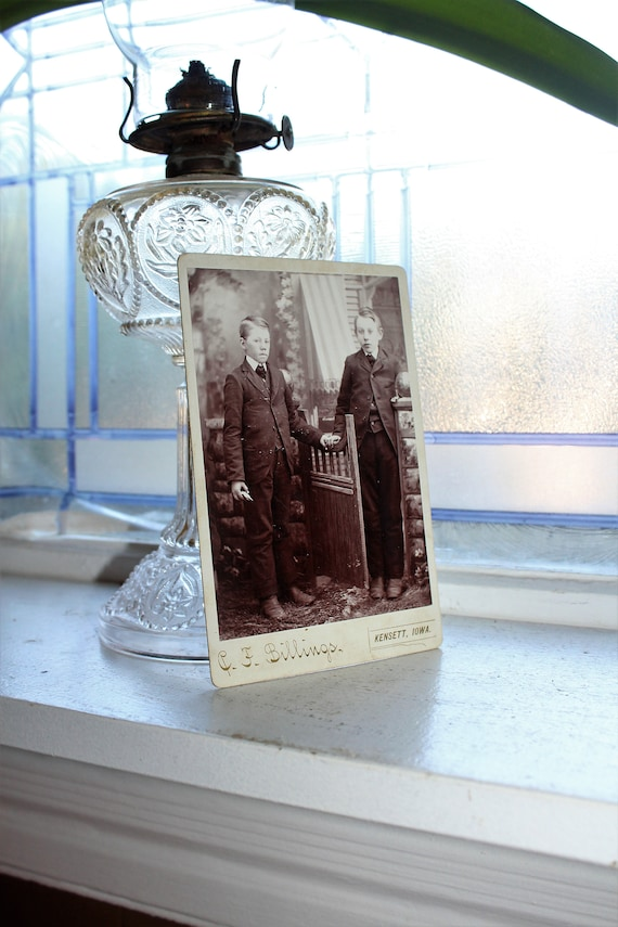 Antique Cabinet Card Photograph of 2 Victorian Brothers 1800s