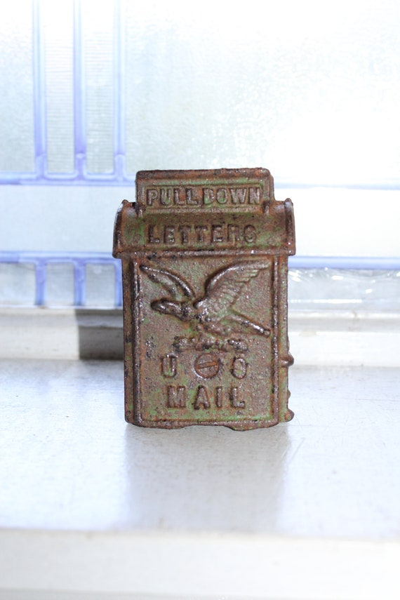 Vintage Cast Iron Still Bank US Mail Letters Box with Eagle
