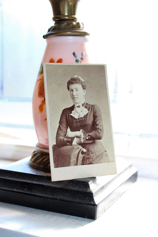 Antique Carte De Visite Cdv Photograph Victorian Woman