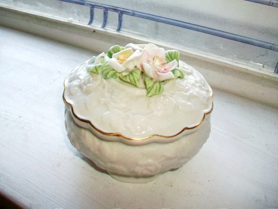 Porcelain Trinket Box Dresser Jar