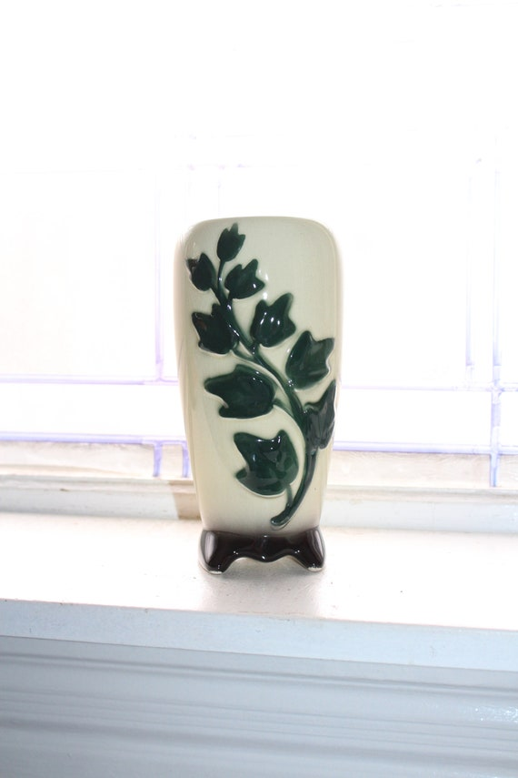 """Vintage Royal Copley Ivy Vase Green and White Mid Century 7"""""""