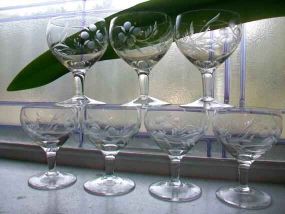 7 Vintage Etched Glass Cordial Aperitif Liqueur Glasses Stemware 4 Oz