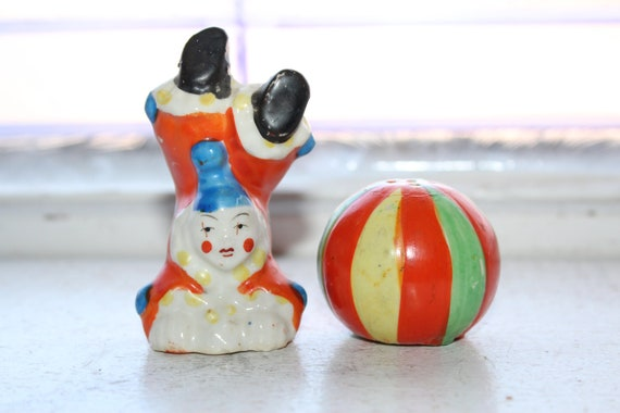 Vintage 1920s Salt and Pepper Shakers Circus Clown and Ball