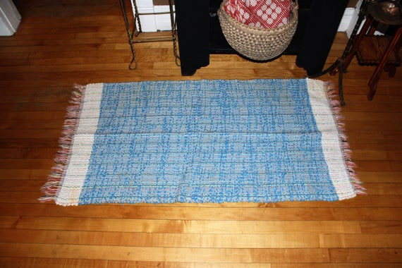 Vintage Country Rug Hand Loomed Rag Rug Rustic Farmhouse 1940s 56 x 28