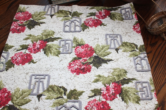 Vintage 1950s Barkcloth Fabric Mid Century Flowers 35 x 22 Inches