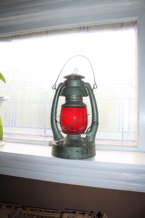 Vintage Kerosene Lantern Embury Air Pilot #2 Red Globe