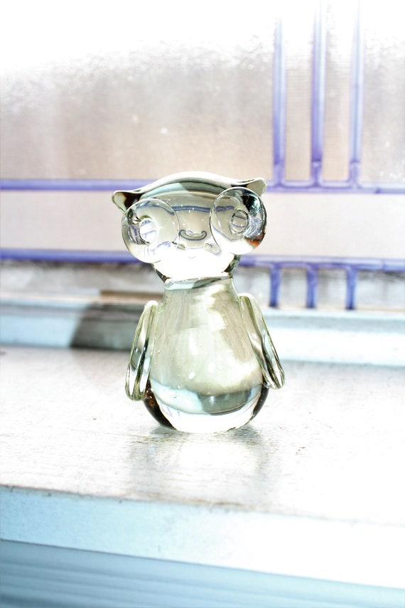 Glass Owl Figurine Paperweight Vintage Hand Blown
