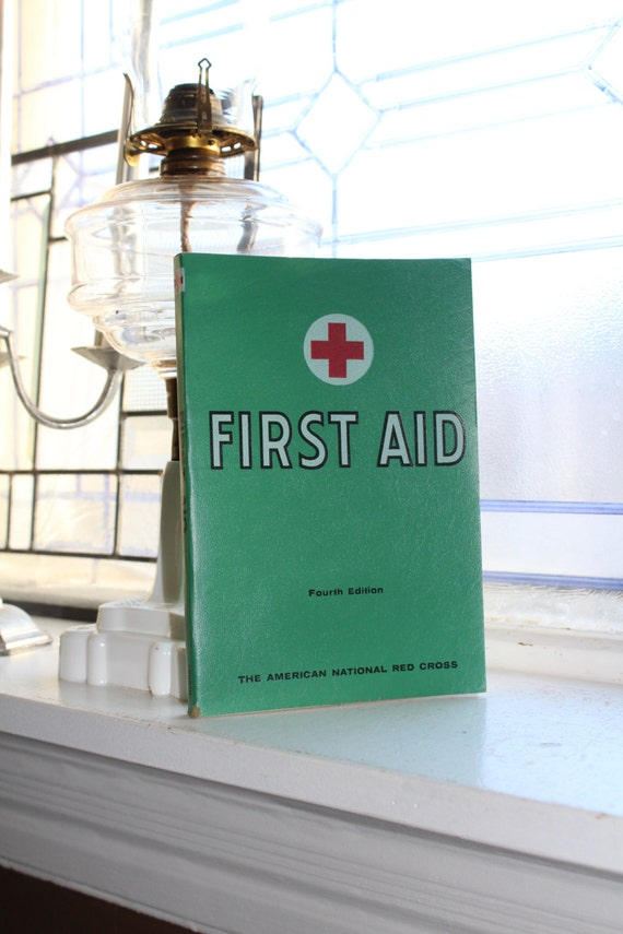 Vintage Red Cross First Aid Manual Fourth Edition 1967