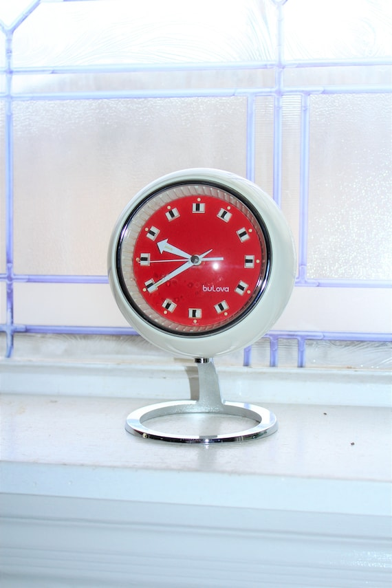 Mid Century Bulova Clock Bubble Pedestal Red and White 1970s