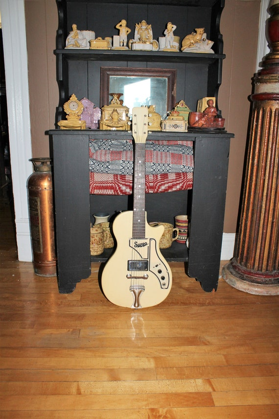 Vintage 1959 Supro Super 1507 Electric Guitar with Case