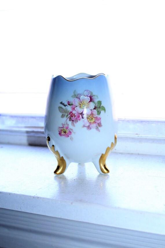Vintage Imperial Germany Egg Vase Tripod Feet