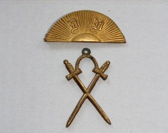 Antique Odd Fellows Lodge Officer Badge Masonic Pin Crossed Swords