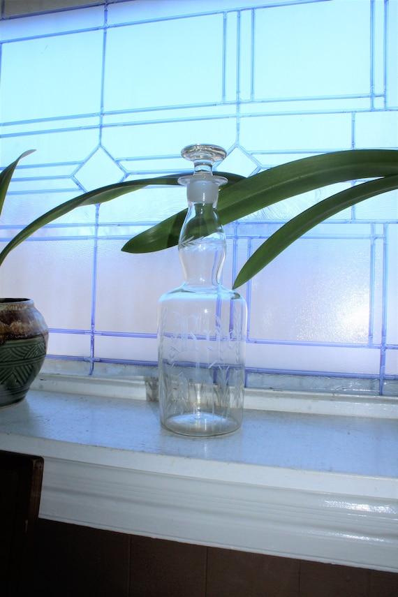 Vintage Rye Whiskey Liquor Bottle Decanter Etched Glass