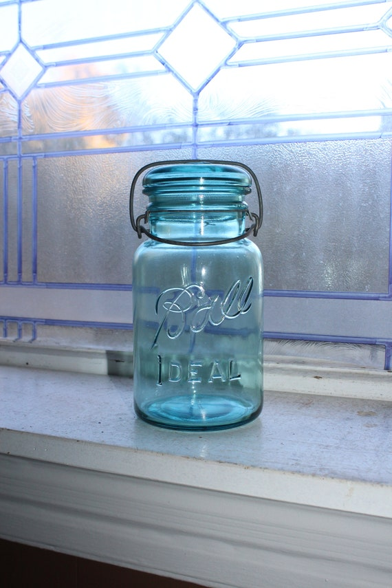 Blue Ball Ideal Mason Jar Quart Vintage 1923 to 1933 with Glass Lid
