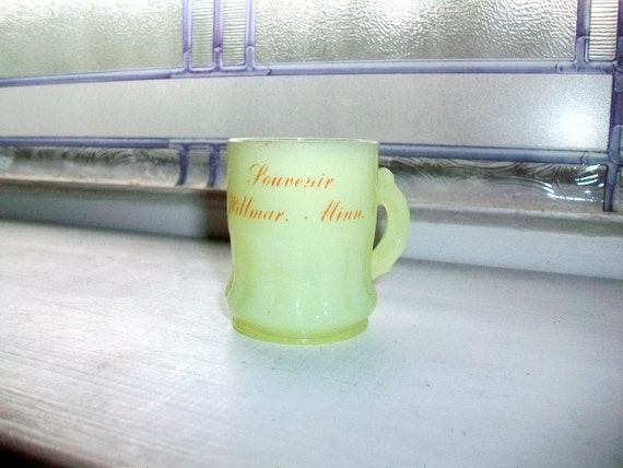 Vintage Souvenir Toothpick Shotglass Willmar, Minnesota Yellow Custard Glass