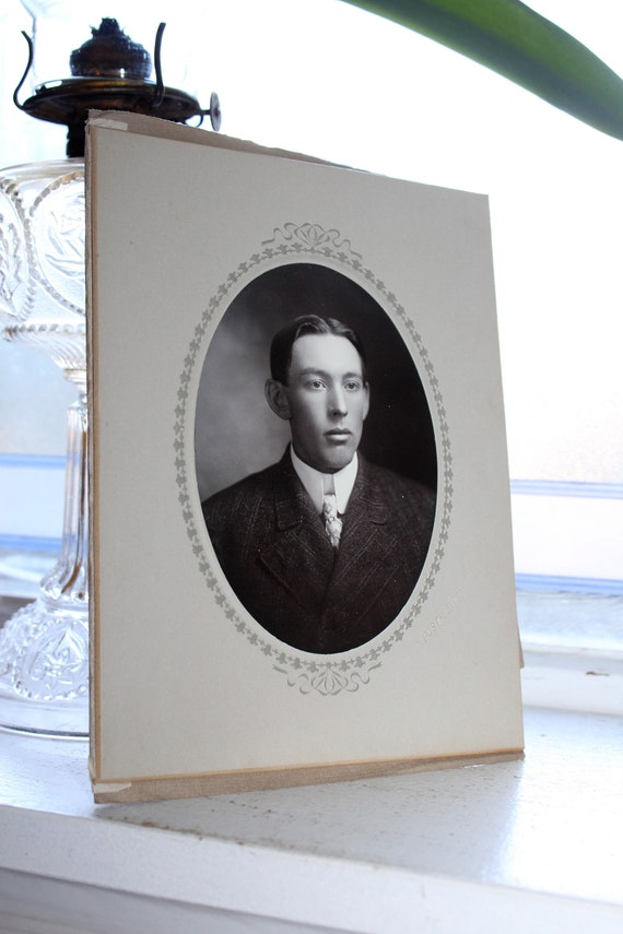Victorian Man Cabinet Card Photograph Antique 1800s Photo