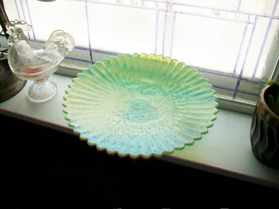 Green Pedestal Cake Stand Opalescent Murano Glass Vintage Yalos Casa