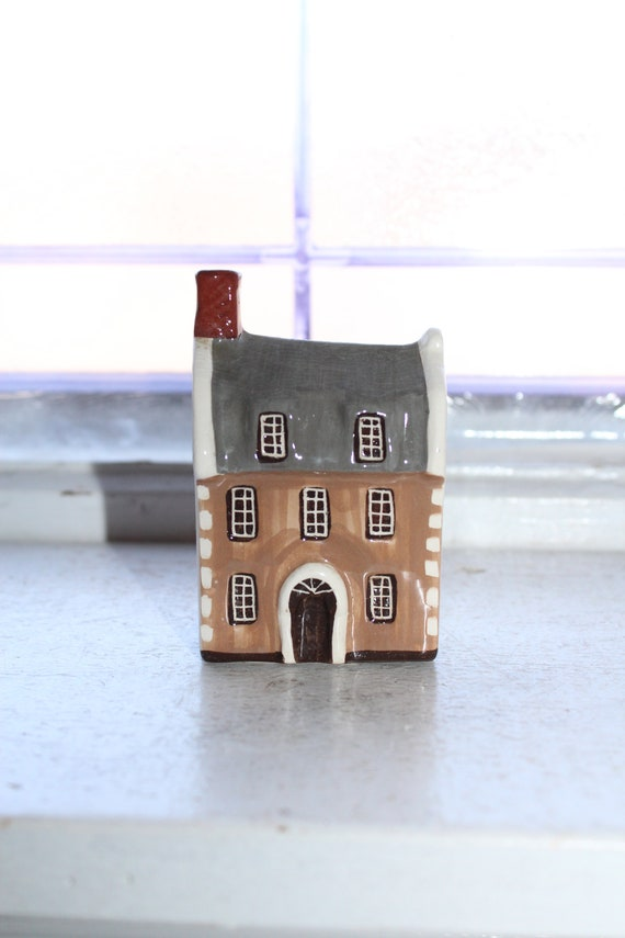 Suffolk Cottages Mudlen End Studio Figurine #14 The Doctors House