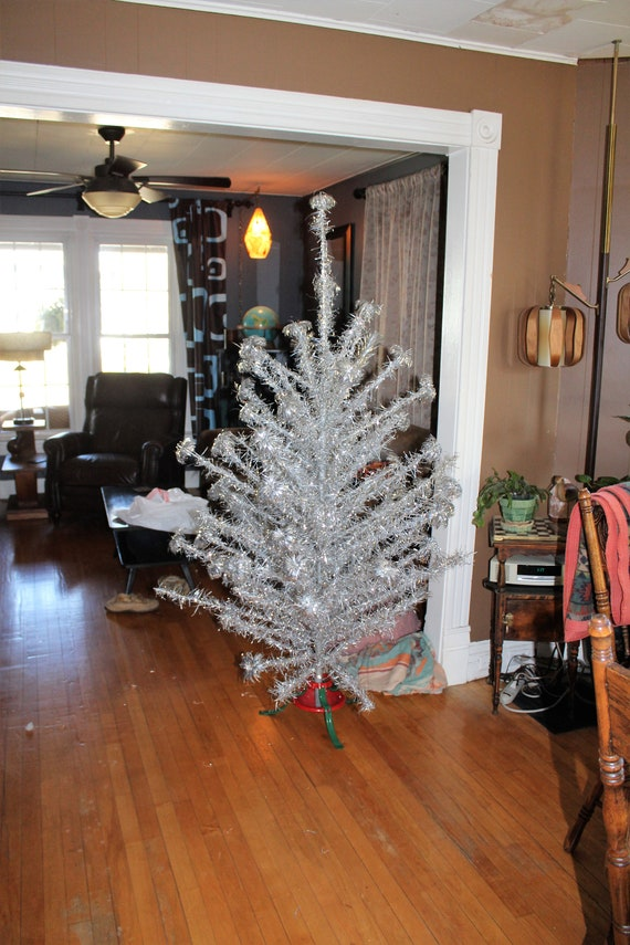 Vintage 6 ft Aluminum Pom Pom Christmas Tree with Color Wheel