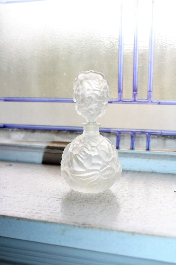 Vintage Satin Glass Perfume Bottle Flowers Decoration
