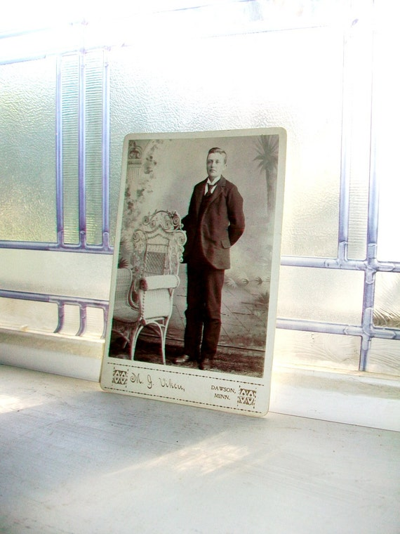 Vintage Cabinet Card Photograph Edwardian Gentleman