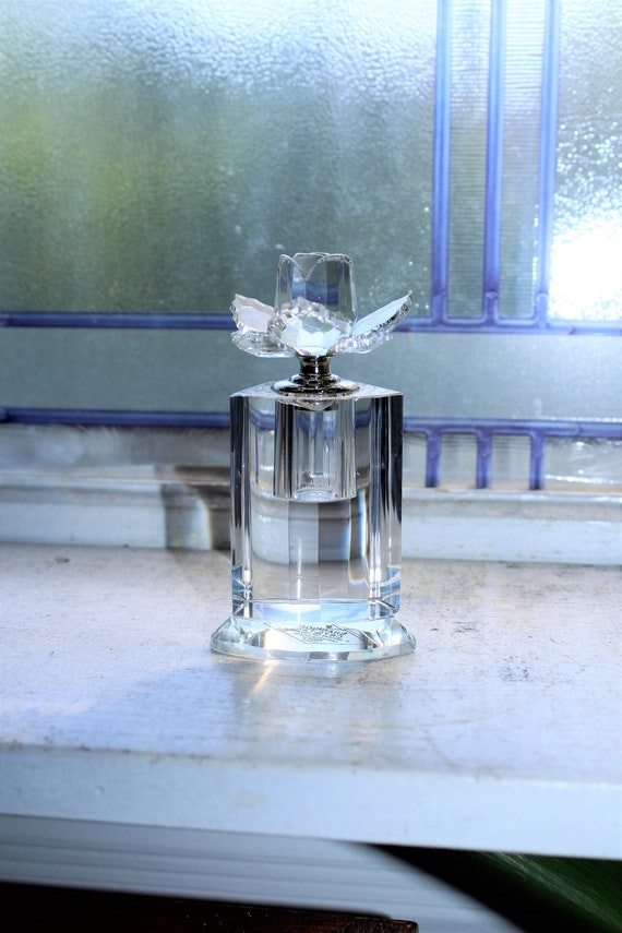 Shannon Crystal Designs of Ireland Perfume Bottle with Rose Finial