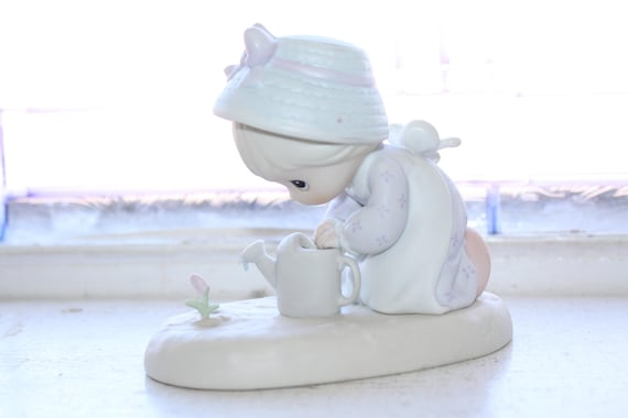 Precious Moments Figurine Friendship Grows When You Plant A Seed 1991