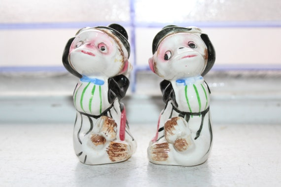 Vintage Salt and Pepper Shakers Monkeys with Top Hats