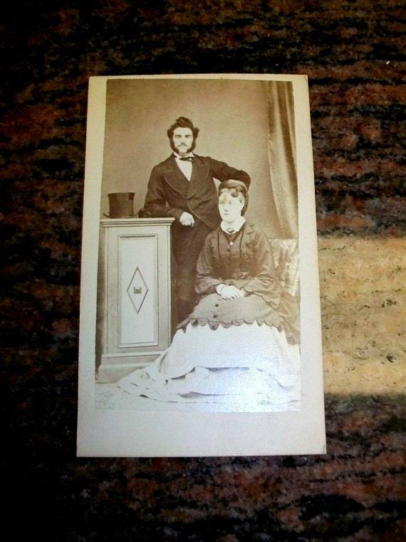 Vintage CDV Photograph Victorian Couple 1800s