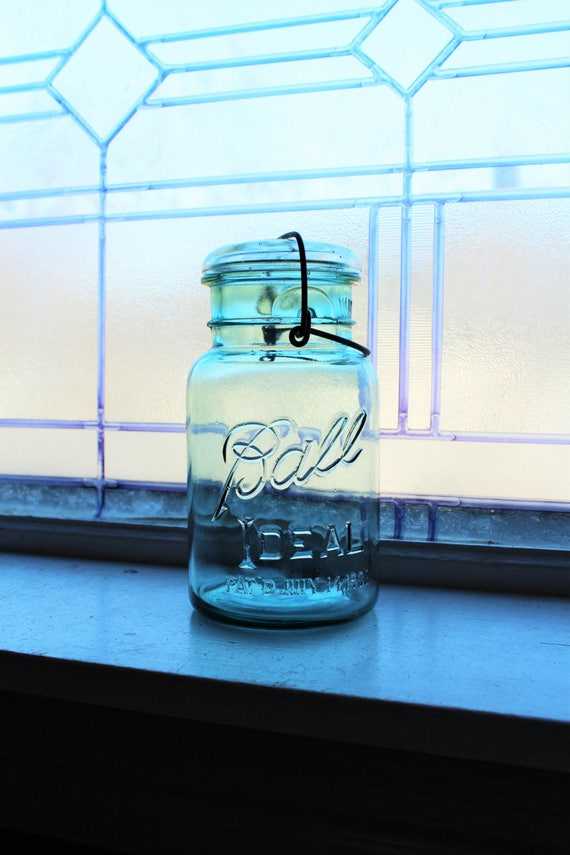 Blue Ball Ideal Quart Mason Jar Vintage 1923 to 1933 with Glass Lid