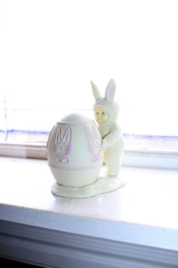 Dept 56 Snowbabies Figurine I'll Color The Easter Egg 1996