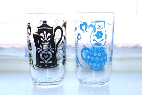 2 Swanky Swig Tumblers Blue and Black Antiques Pattern Vintage 1960s