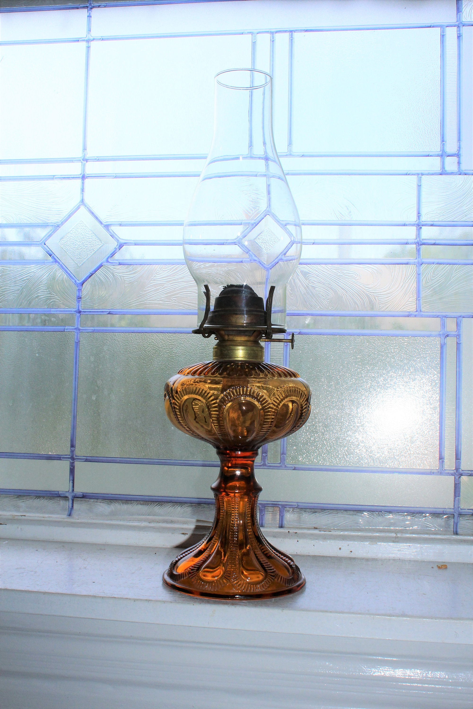 Antica lampada a olio di vetro ambra EAPG