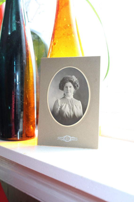 Antique Cabinet Card Photograph Young Victorian Woman