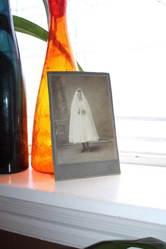 Antique Photograph Victorian Woman in White Dress 1800s Cabinet Card