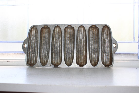 Vintage Metal Corn Bread Pan Ears Of Crusty Corn Cobs Junior