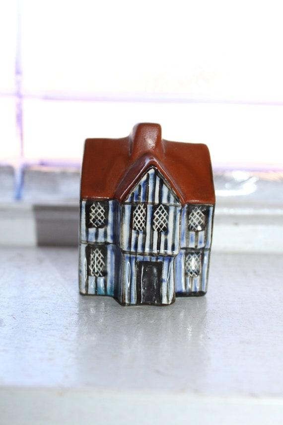 Suffolk Cottages Mudlen End Studios Figurine #12 Town House