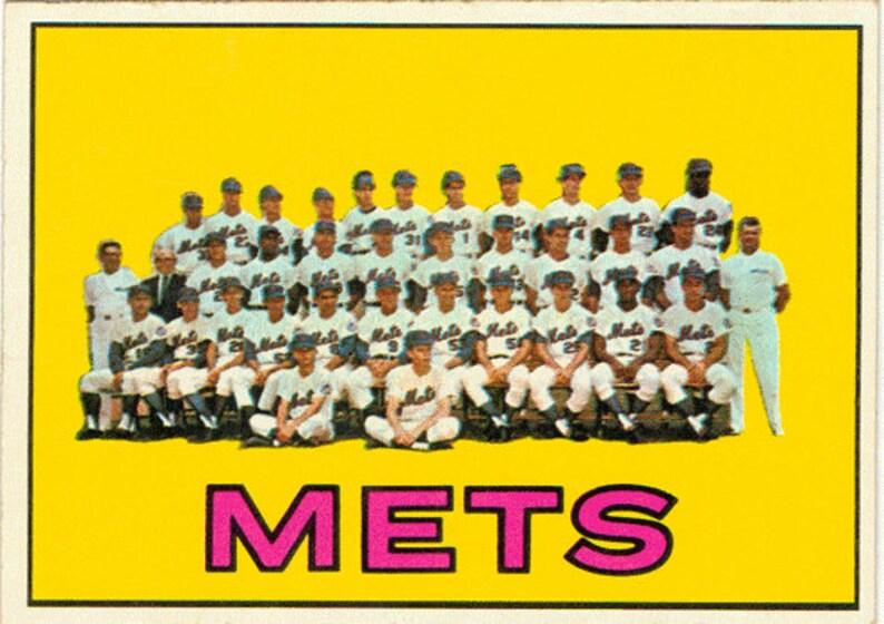 1967 Topps Baseball Card New York Mets Team Photo Card 42