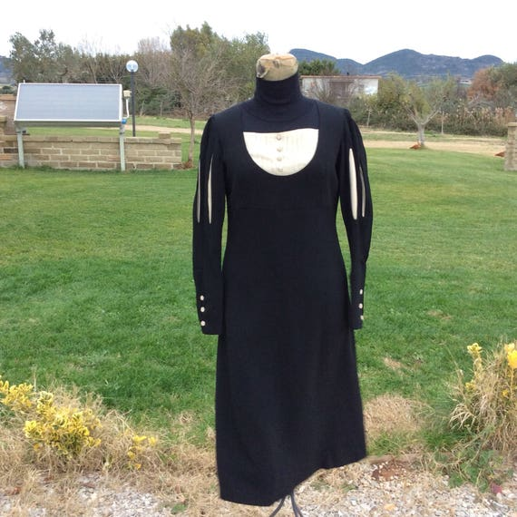 Vintage tailored 40s black dress