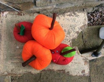 Felt pumpkin decoration
