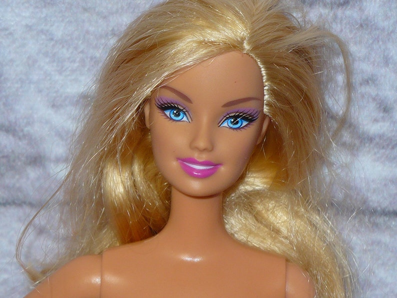 Dependable Two Barbie Dolls Barbie Starr 1979 And Barbie Mold Superstar Easy To Use Altro Bambole Bambole