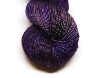 """Fingering Weight, """"Curtain Call"""" Merino Wool Superwash Yarn, 4 oz, machine washable yarn"""