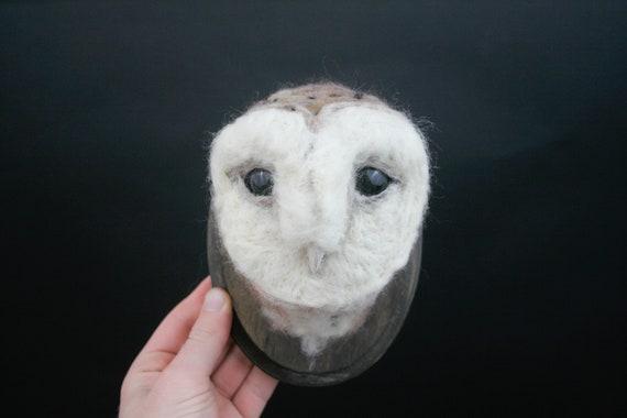 Barn Owl Sculpture (Tyto albus)